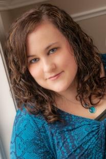 Vicki Leigh_Author Portrait